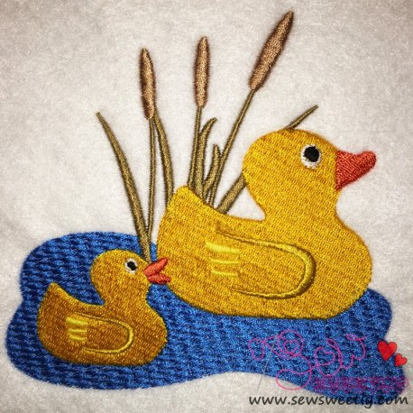 Cute Duck Mom And Baby Embroidery Design